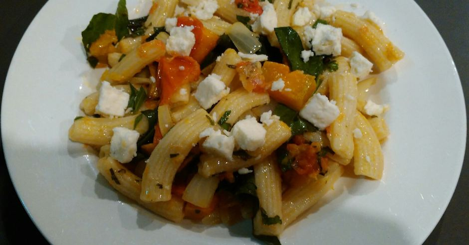pasta with spinach, pumpkin and tomato